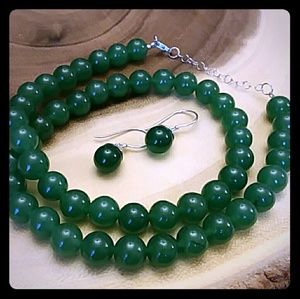 GREEN ONYX NECKLACE & EARRINGS SET